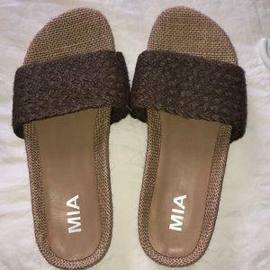 MIA never been worn sandals